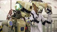 ربات انسان نمای روسی، فضانوردان را همراهی میکند