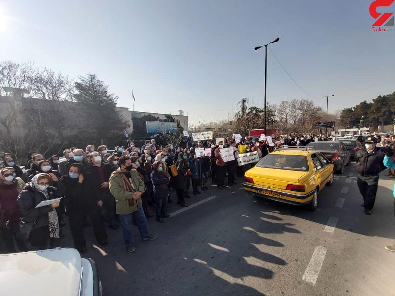 تجمع پزشکان مراکز ترک اعتیاد در مقابل سازمان نظام پزشکی + عکس