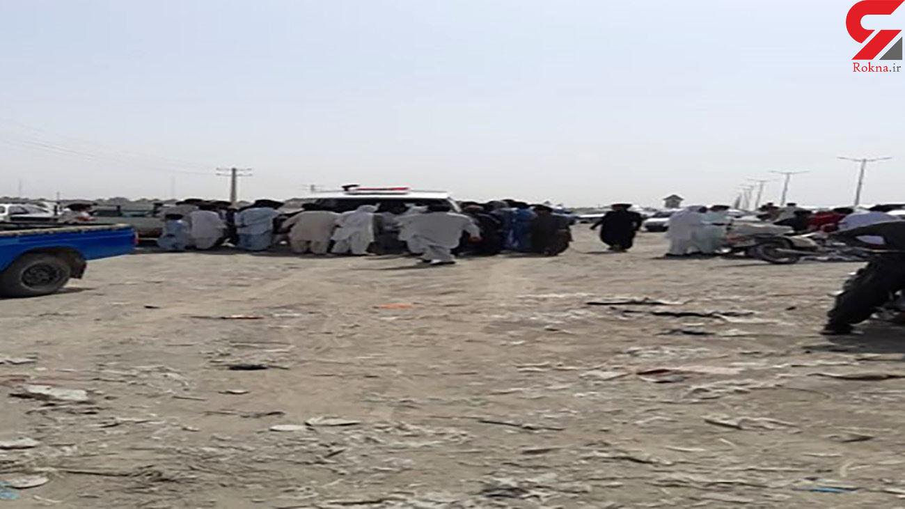 انفجار بمب تروریست ها در میدان اصلی سراوان / یک کشته و 3 زخمی + عکس