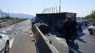 واژگونی کامیون در بزرگراه امام علی(ع) + عکس