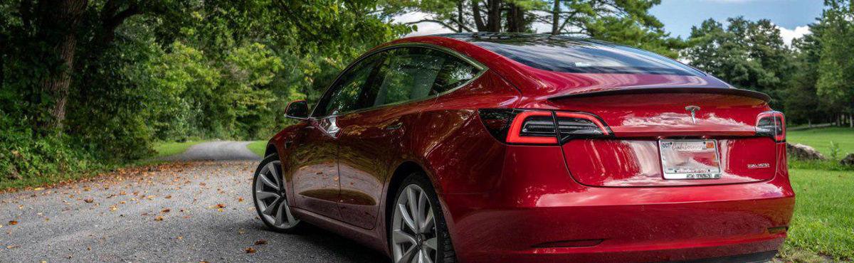 کاهش قیمت خودروی مدل 3 تسلا/ تسلا 35 هزار دلاری شد