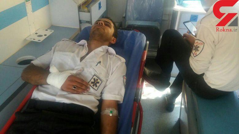 بیمار خشن تکنسین آمبولانس اورژانس را چاقو چاقو کرد! + عکس