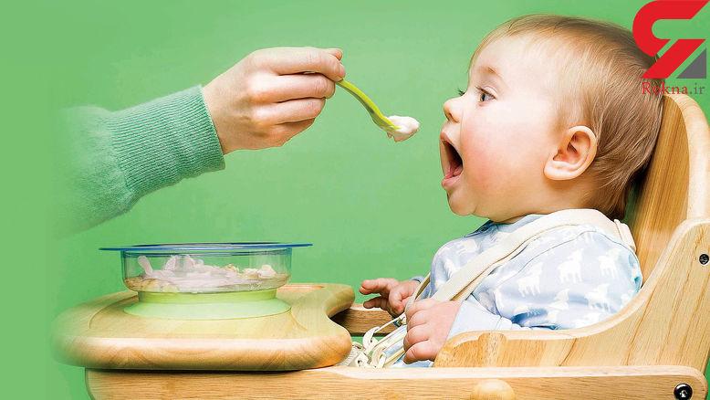 از کی غذای کمکی را شروع کنیم؟ / توصیه برای پدر و مادرهای جوان
