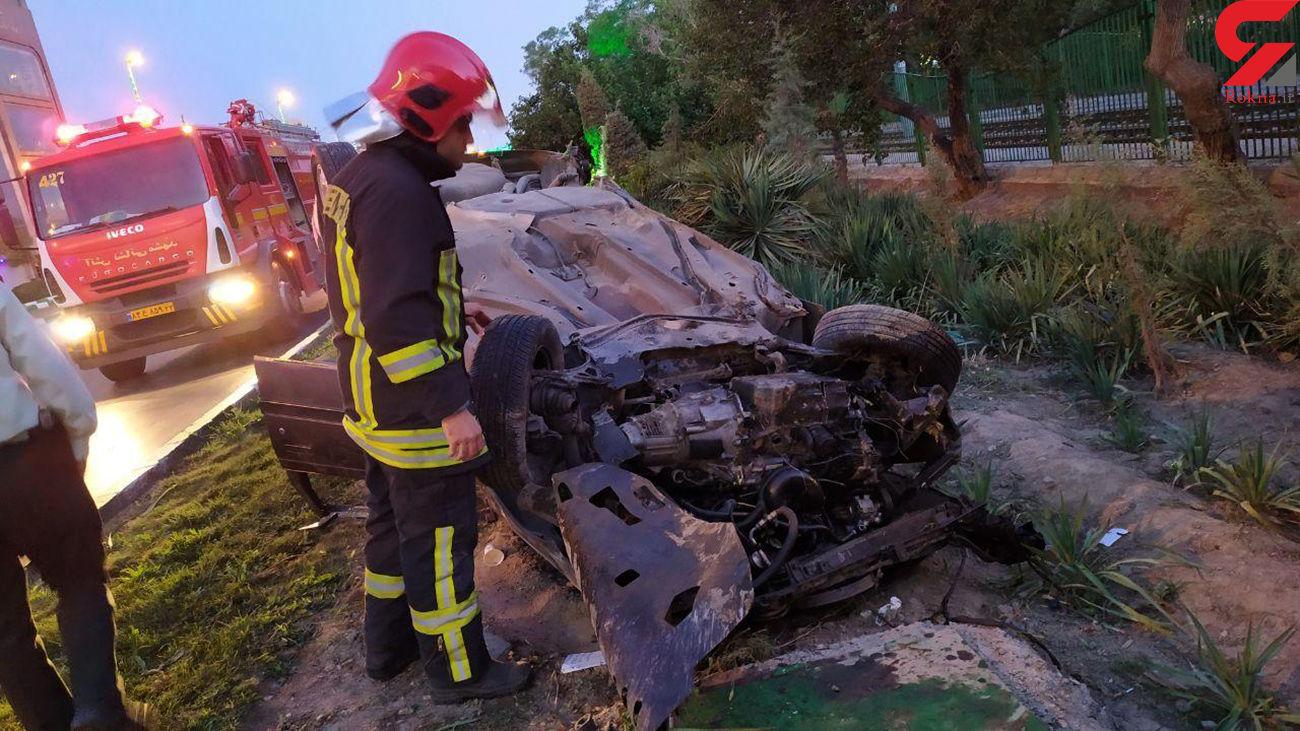 عکس وحشتناک از واژگونی پژو در مشهد