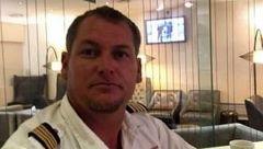 خلبان جوان برای کشتن زنش با هواپیما به محل حضور او زد  ! + فیلم و عکس