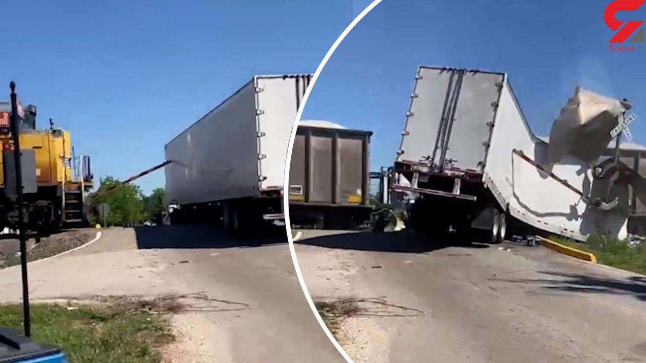 تصادف قطار با تریلی در تگزاس + فیلم