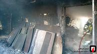 آتش سوزی کارگاه تولید مبلمان در شمال شرق تهران + عکس