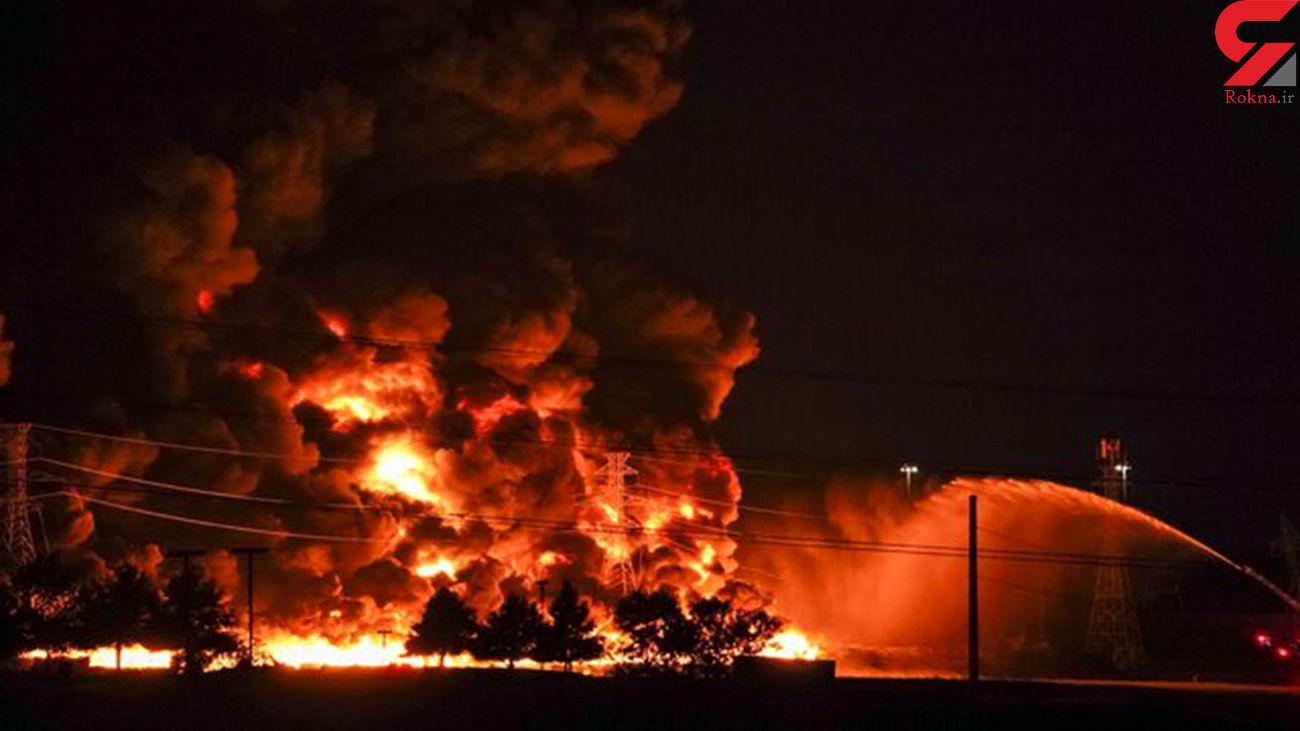 آتش سوزی انبار کاه در روستای صحرارود فسا / حریق مهار شد