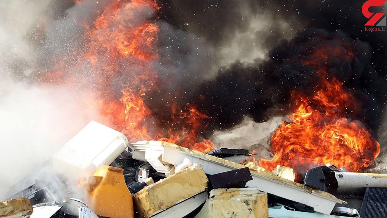آتش سوزی هولناک در کارگاه بازیافت ضایعات پلاستیکی مشهد