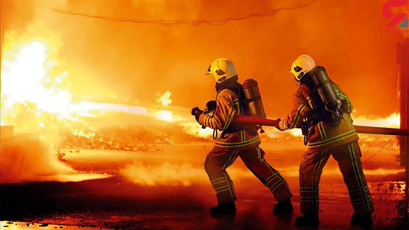 """کهگیلویه و بویراحمد /  شعلههای آتش در جنگلهای """"دمچنار"""" همچنان زبانه میکشد"""
