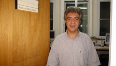 عباس عدالت با کیف انگلیسی دستگیر شد !؟ + عکس