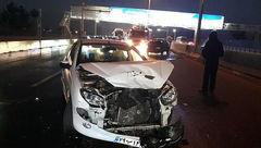 تصادف زنجیره ای 6 خودروی سواری در آزادراه قم- تهران + عکس