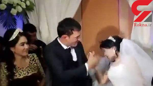 لحظه کتک خوردن  عروس مقابل مهمانان توسط داماد عصبانی + عکس