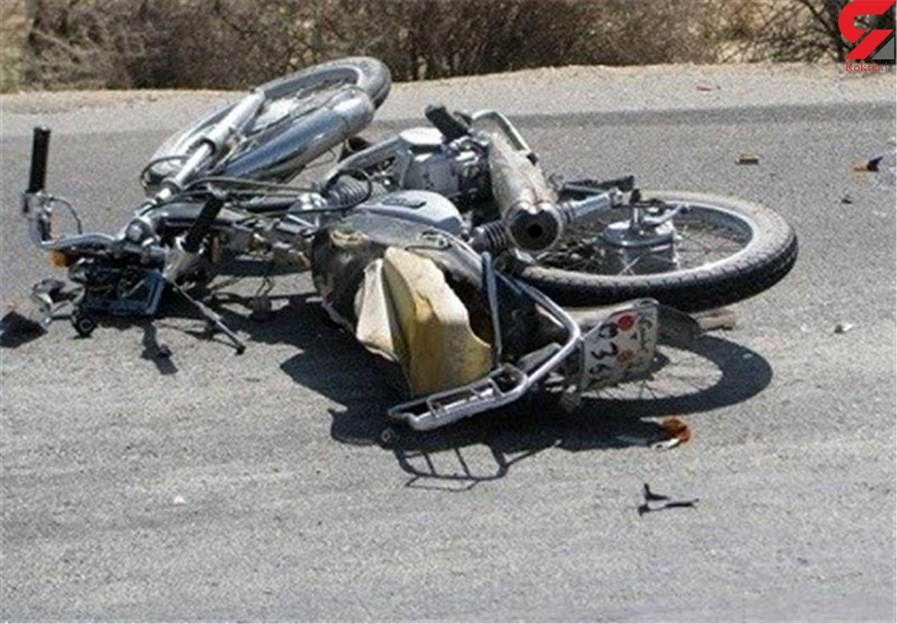 راکبان حادثه ساز  در یزد/ ۳ موتورسوار با هم تصادف کردند