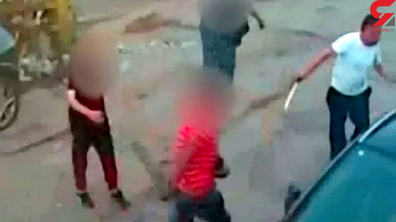 حمله سارق قمه به دست به یک فروشگاه + فیلم