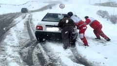 50 مسافر گرفتار در برف و کولاک اشنویه نجات یافتند