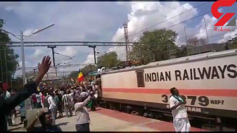 لحظه انفجار  مرد جوان روی قطار + فیلم وحشتناک
