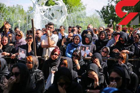 اولین عکس ها از تشییع پیکر بهنام صفوی در اصفهان + فیلم و عکس