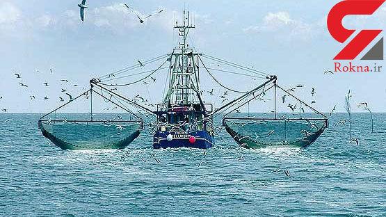 توقیف 2 کشتی صید ترال در آب های استان بوشهر