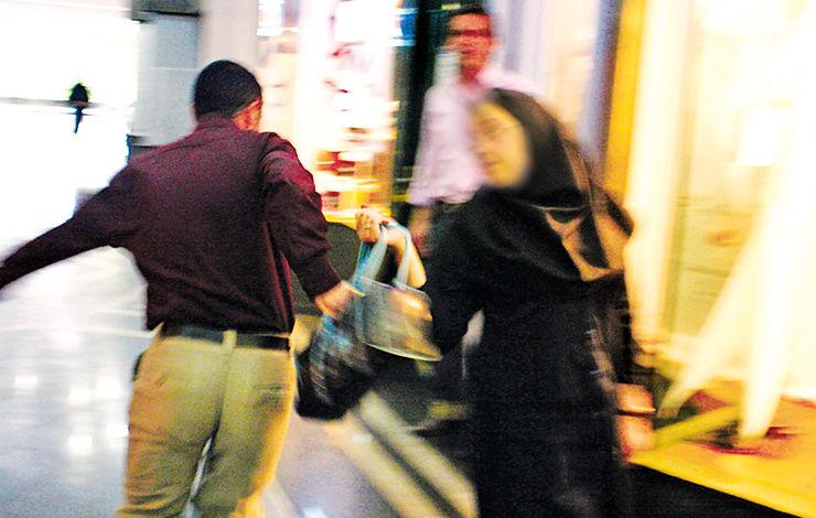 دانشجوی دختر دانشگاه امیر کبیر هومن دزد کیفش را تحویل پلیس داد!