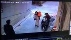 حمله مرد خشن به دو زن تنها در کوچه بن بست + فیلم