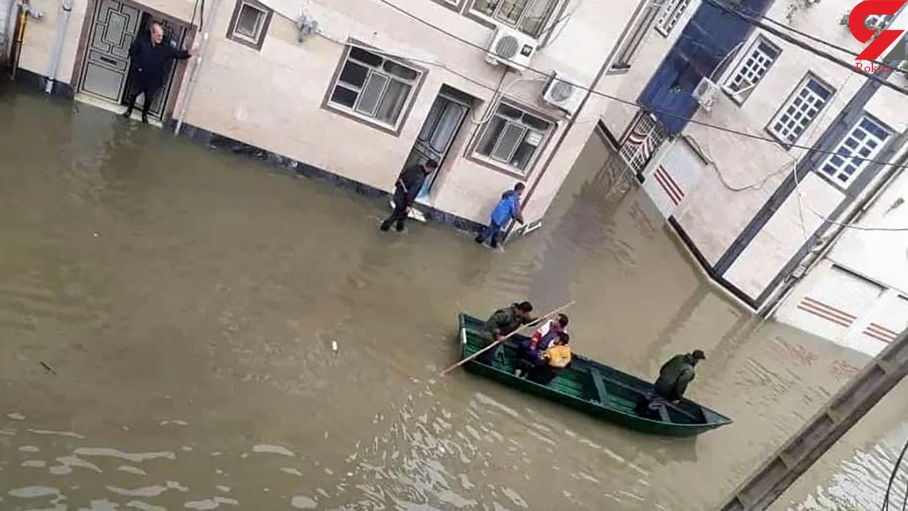 طغیان آب و آبگرفتگی معابر در آستارا/ نیروهای هلال احمر در حال امدادرسانی + فیلم