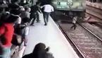 دختر جوان  در برابر دوربین خودش را جلو قطار انداخت و ...+ فیلم