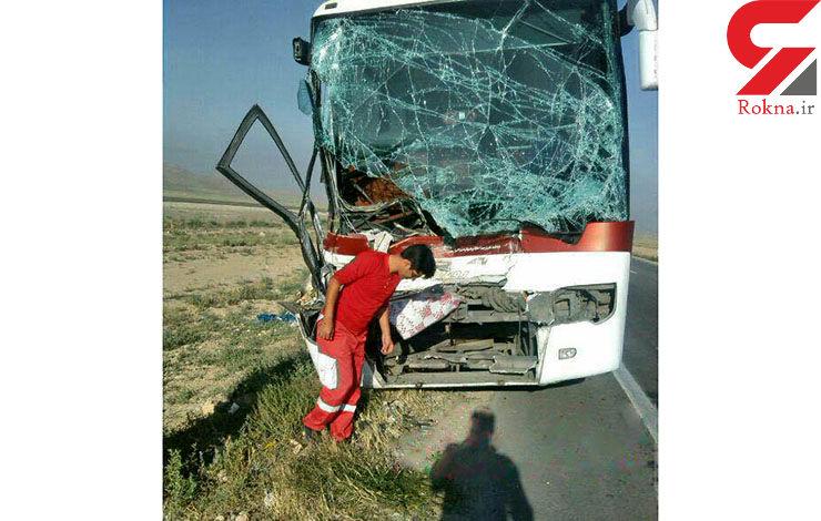 18 کشته و زخمی در تصادف اتوبوس و پژو