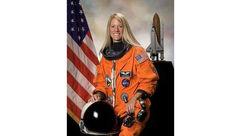 یک زن برای نخستین بار به مریخ قدم می گذارد