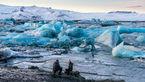 عجیب ترین ساحل دنیا با ماسه های سیاه و تکه های یخ+ عکس