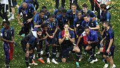 تصاویر جشن قهرمانی فرانسه زیر باران شدید