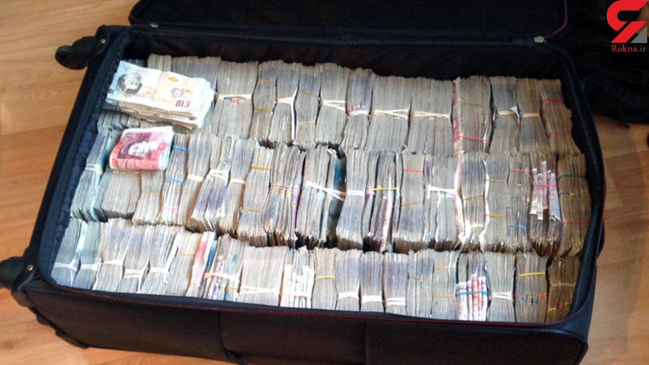 پول های چمدانی به کجا می رود؟  / قاچاقچیان پول ایرانی را چرا از مرز خارج می کنند