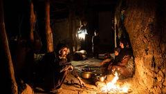 زندگی زیر نور آتش در دامنه زاگرس+عکس