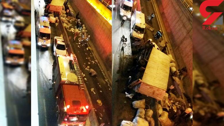 واژگونی کامیونت که 9 افغانی را در قسمت بار داشت / بامداد ا مروز در امام علی(ع) تهران رخ داد + عکس