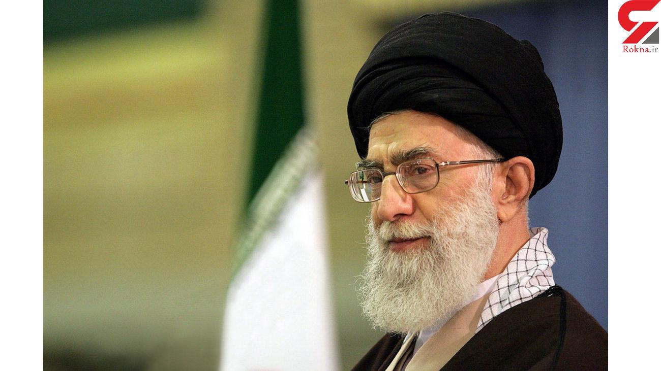 لحظاتی از حضور آیت الله خامنهای در مراسم تشییع امام خمینی(ره) + فیلم