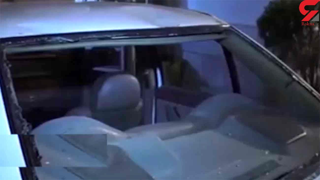 سقوط 2 دختر گلستانی روی ماشین پلیس / آنها خودکشی کردند + فیلم