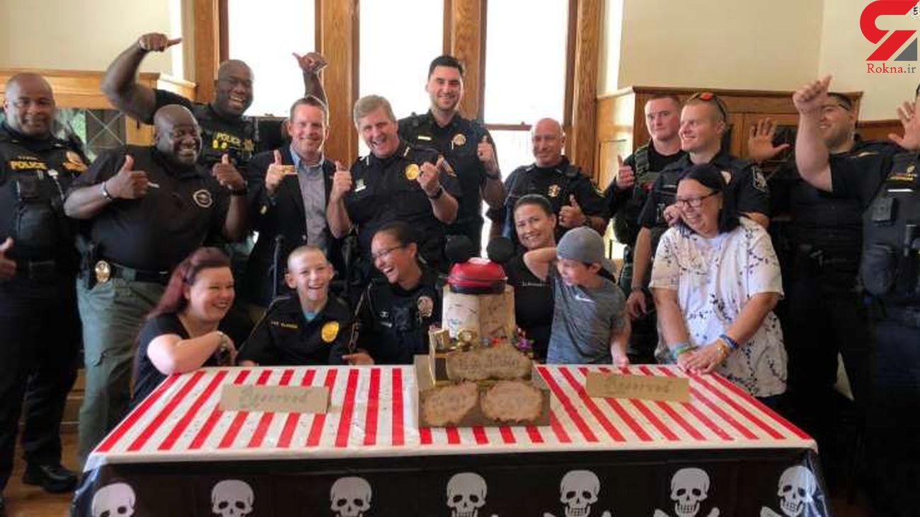 اقدام انسان دوستانه ماموران پلیس با پسر بیمار+عکس