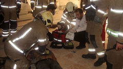 تصاویر تکاندهنده از سقوط مرگبار نصاب آسانسور + تصاویر