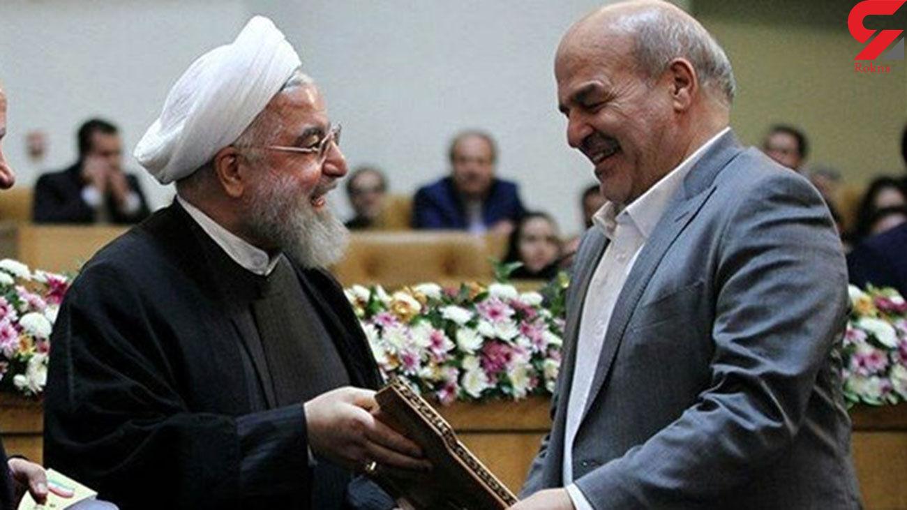 معاون رئیس جمهوری : باید دست روحانی را ببوسیم!