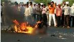 مردی زنده زنده در آتش سوخت/مردم فقط فیلم گرفتند بدون هیچ کمکی +فیلم ناراحت کننده