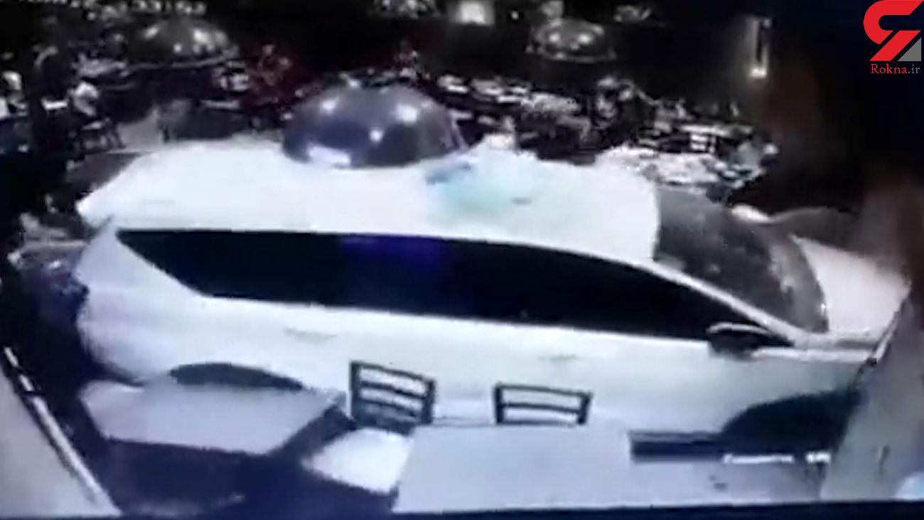 ورود مرگبار خودرو به داخل رستوران + فیلم