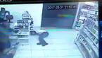 دزد بدشانس به کاهدان زد! + فیلم