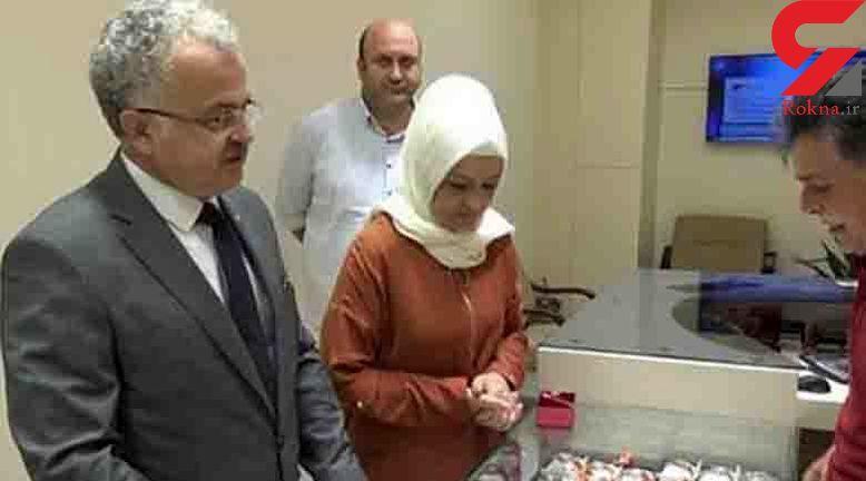 این شهردار به دستور رئیس جمهور طلاهای همسرش را فروخت! + عکس