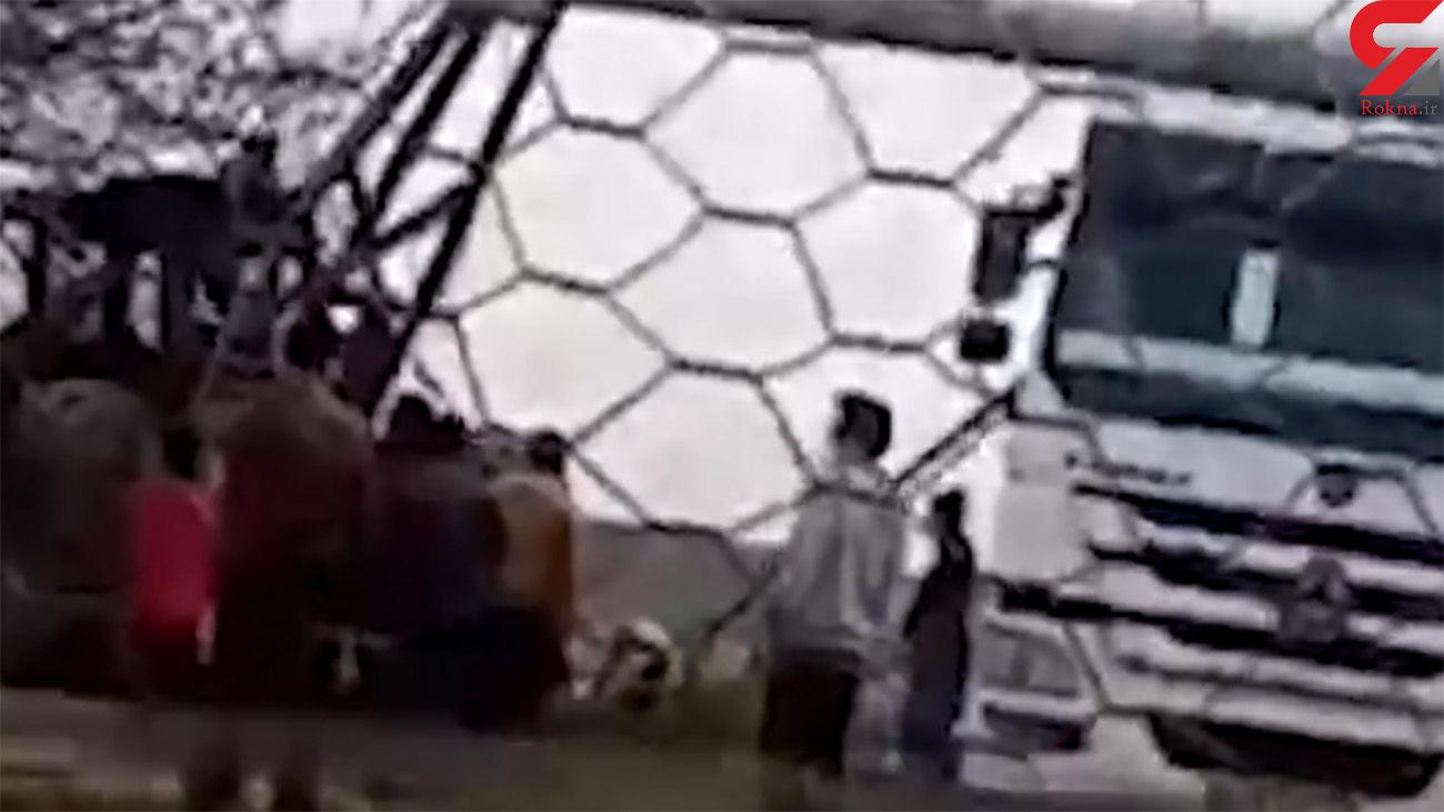 فیلم محل حمله به نگهبان شکنجه گر 2 دختر بچه گنبدی + جزئیات