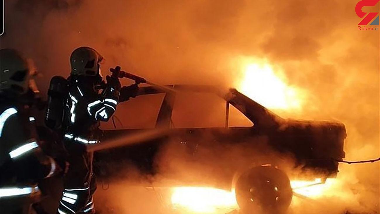 پژو 405 در میان شعله های آتش سوخت + عکس / تهران