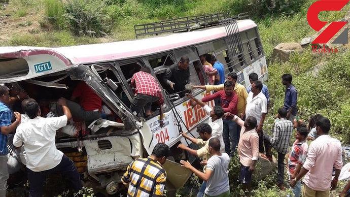سقوط اتوبوس به دره در هند با ۵۴ کشته
