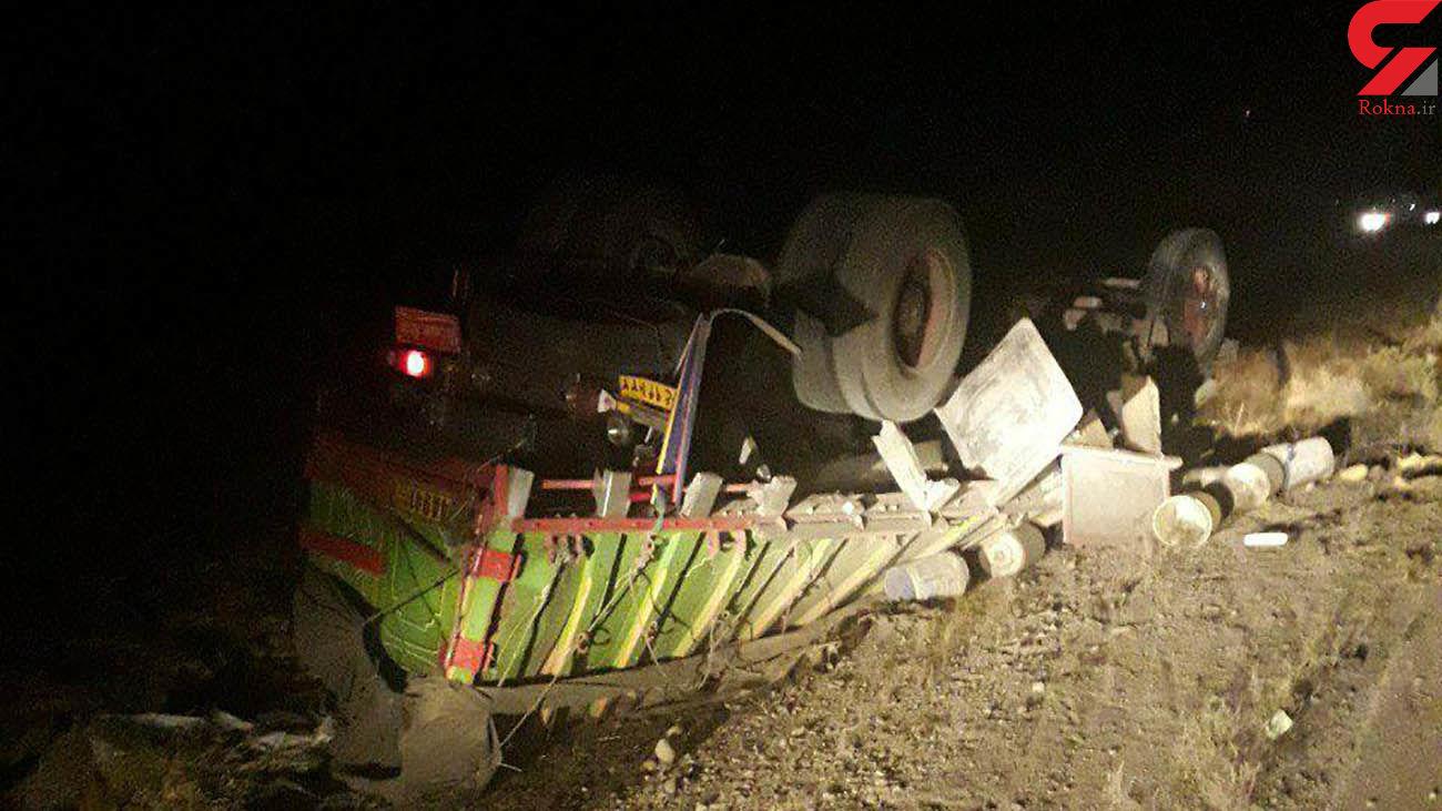 واژگونی هولناک کامیون در نیشابور + عکس