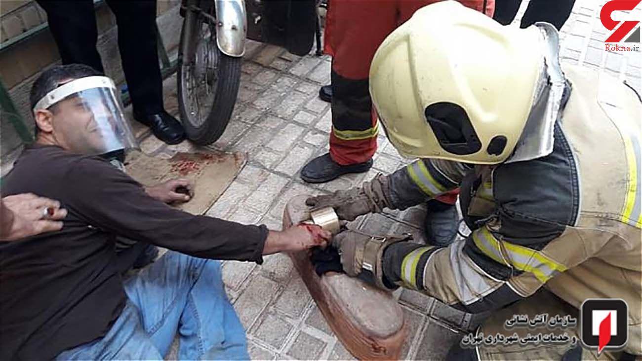 زخمی شدن دست کارگر جوان هنگام کار با دستگاه تراش + عکس