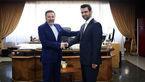 جوانترین وزیر دولت دوازدهم دفتر خود را تحویل گرفت +عکس