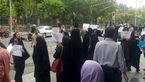 تجمع کارکنان تعدیل شده شهرداری در مقابل شورا / کسی پاسخگو نیست+عکس